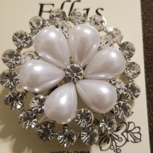 Beautiful Silver and Pearl  wreath Brooch